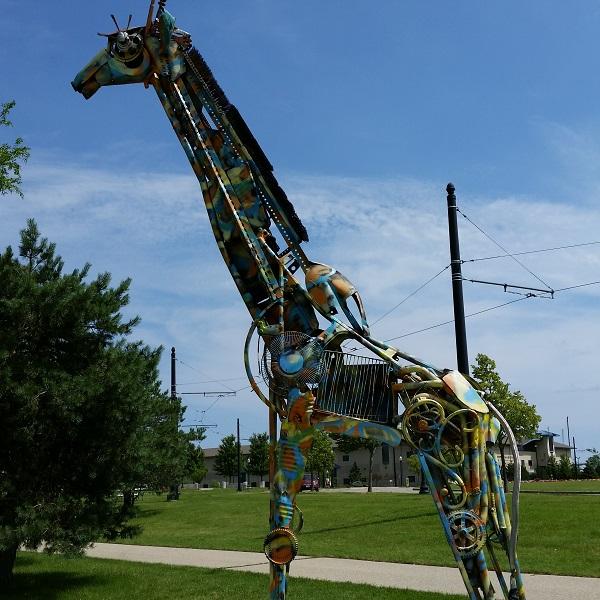 giraffe-sculpture